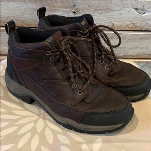 Ariat 8.5 Boots Brown